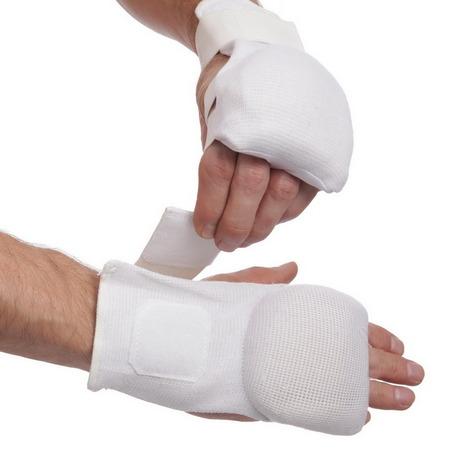 Перчатки и накладки