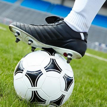 Футбольные бутсы, обувь