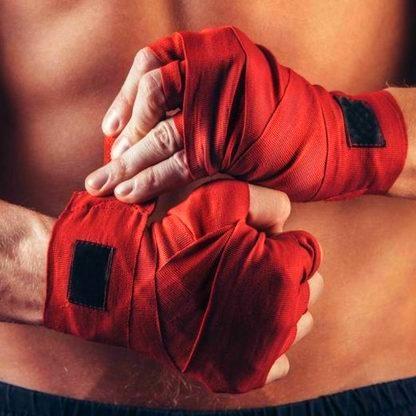 Перчатки и бинты для Кикбоксинга