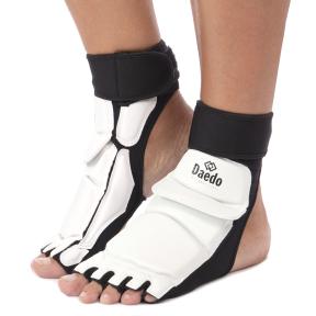 Защита стопы для тхэквондо DADO BO-2609-W S-L белый